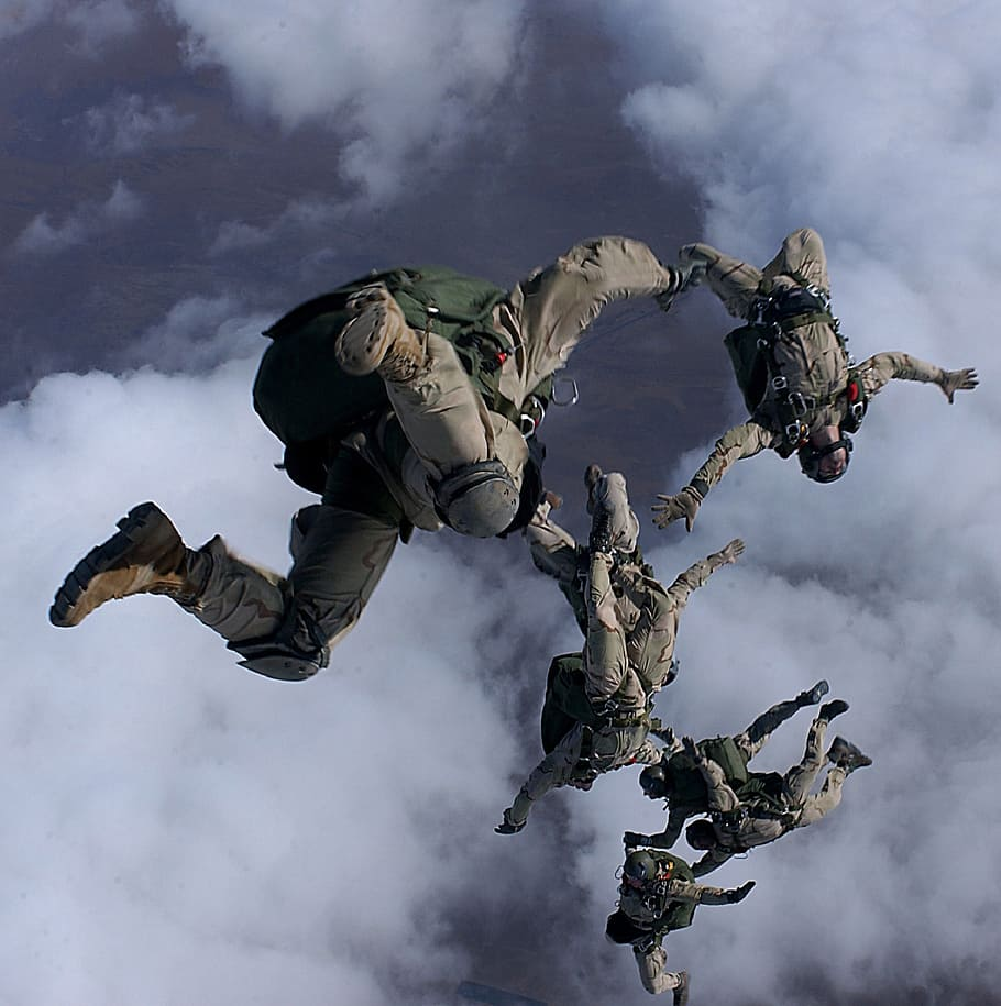 skydiving-jump-high-altitude-halo